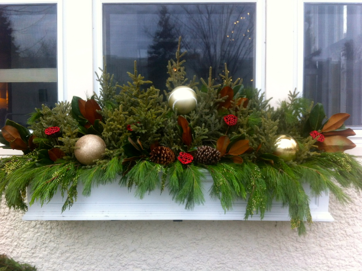 Holiday Window Box | The Simple Elements