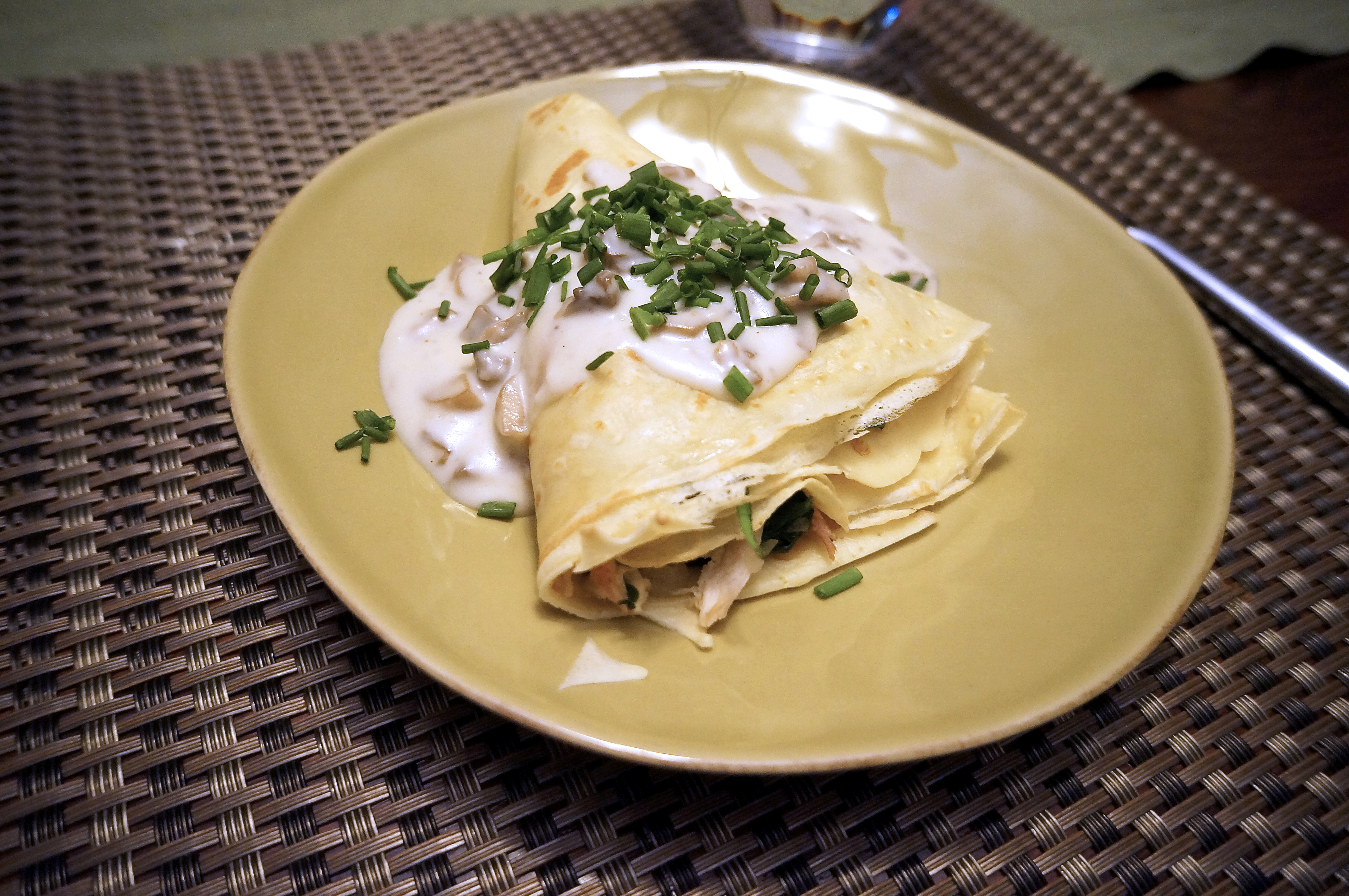 chicken and spinach crepes
